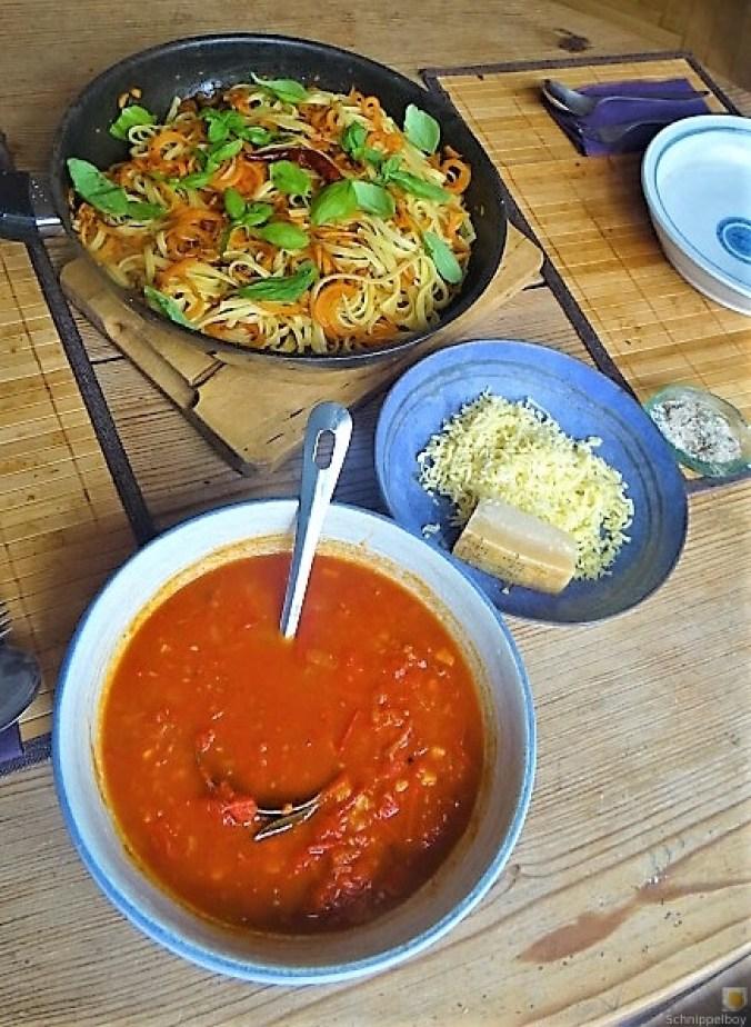 Linguine,scharfe Tomatensauce und Karotten Zoodles (4)