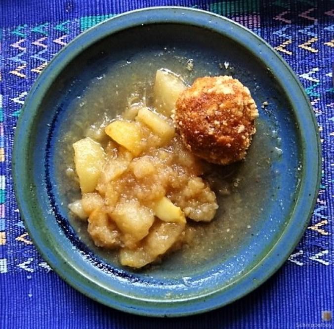 Quarkknödel und Apfelkompott (1)
