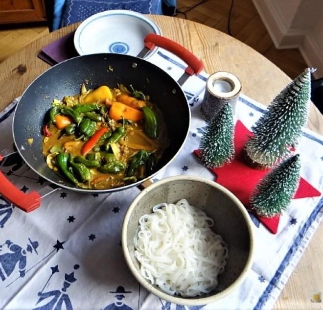 Gemüse in Kokosmilch und Reisnudeln (15)