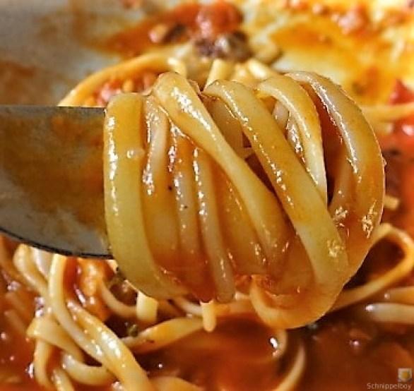 Linguine, scharfe Tomatensauce, Muschelragout (20).JPG