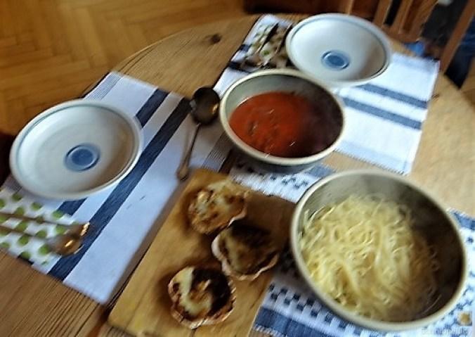 Linguine, scharfe Tomatensauce, Muschelragout (5)