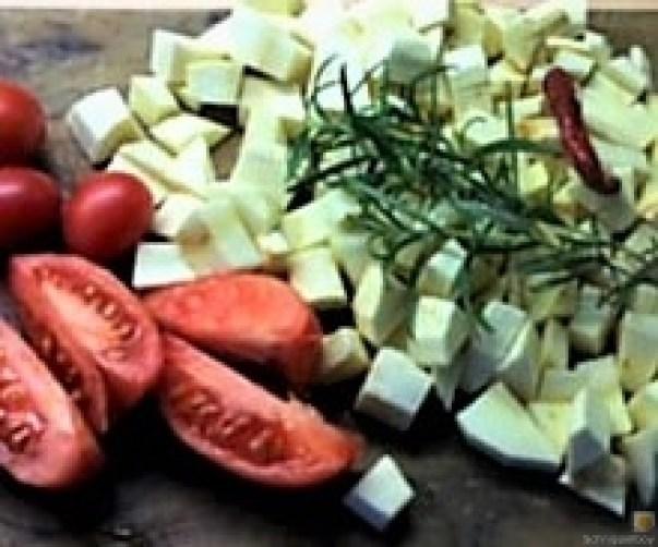 Pastinakengemüse mit Tomaten und Kartoffelstampf (5)