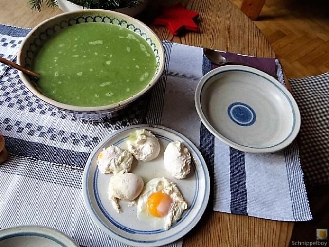 Spinatsuppe mit pochierten Eiern (4)