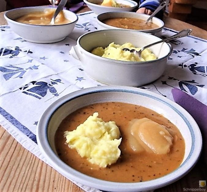 Zwiebelsauce,Kartoffelpü,Apfelmus (18)