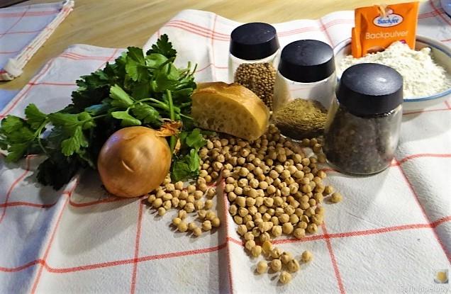 Falafel, Fetacreme, Gurkensalat, (10)