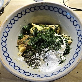 Falafel, Fetacreme, Gurkensalat, (17)