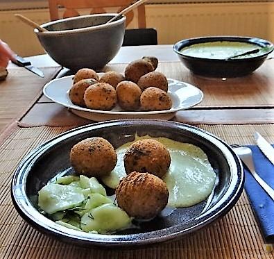 Falafel, Fetacreme, Gurkensalat, (35)