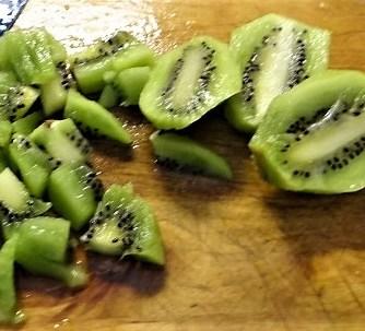 Klöße mit Pilzsauce,Obstsalat (31)