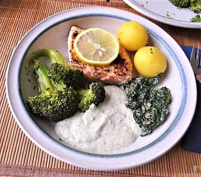 Lachs,Dip und Gemüse (2)