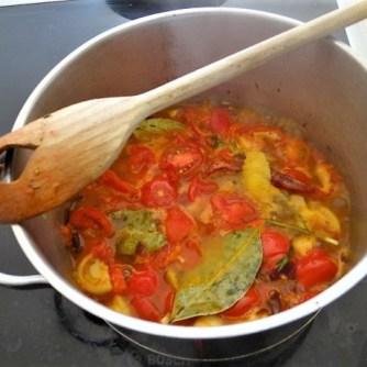 Kartoffel-Bärlauch Schnecken mit Tomatensauce (31)