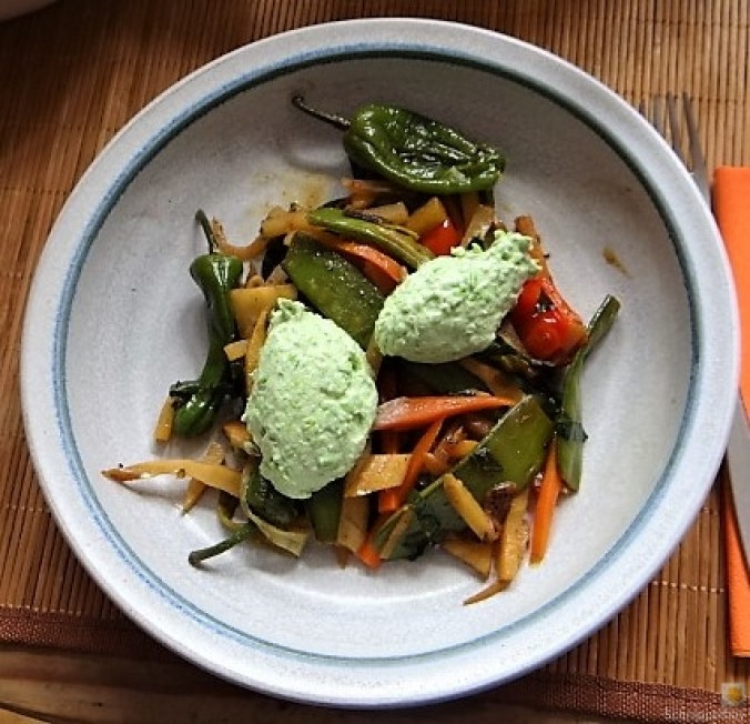 Wokgemüse und Erbs-Ricotta Creme (1)