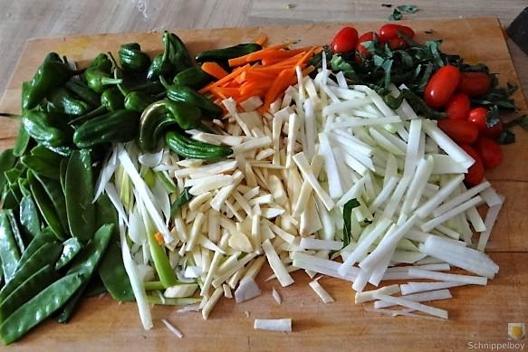 Wokgemüse und Erbs-Ricotta Creme (10)