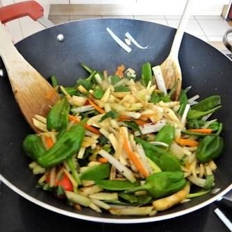 Wokgemüse und Erbs-Ricotta Creme (13)