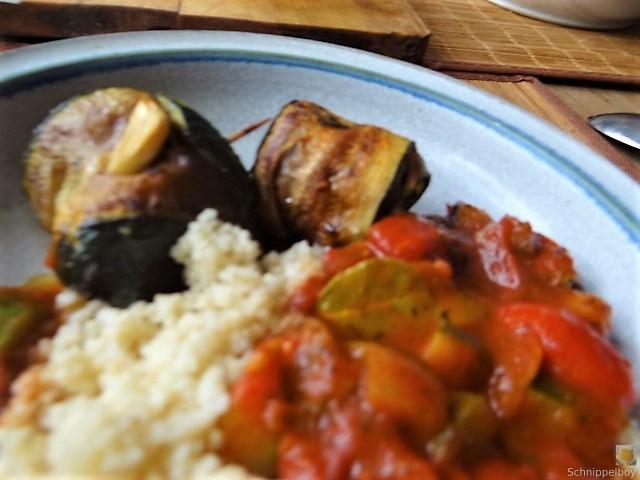 Zucchini-Auberginen Röllchen mit Couscous (28)