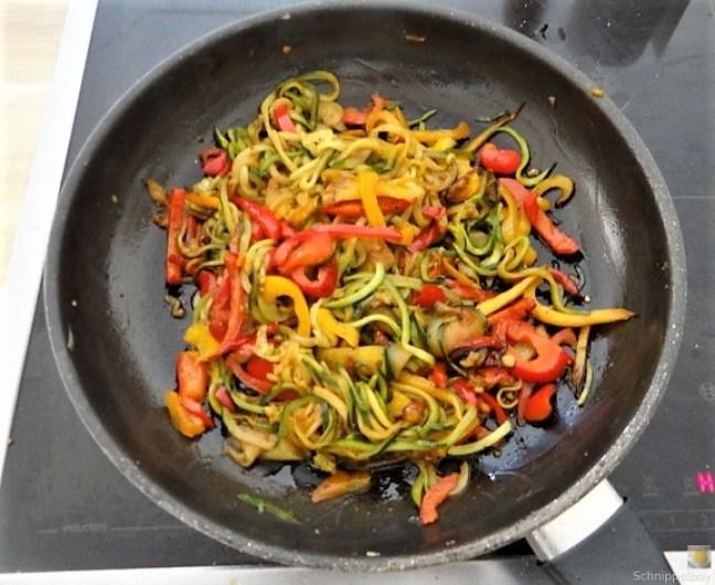 Zucchini Zoodles, Spaghetti, Felfsalat (4)