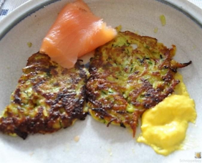 Zucchinipuffer,geräucherter Lachs (4)