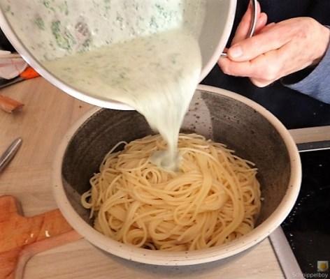 Spaghetti mit Gorgonzola-Brennesselsauce (11)