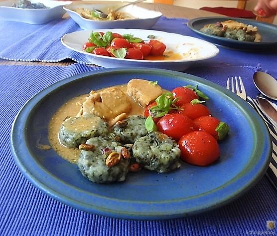 Wildkräuter Gnocchis, Poulardenbrust, Geschmorte Tomaten (25)