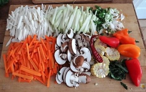Gemüsesuppe mit Glasnudeln (14)