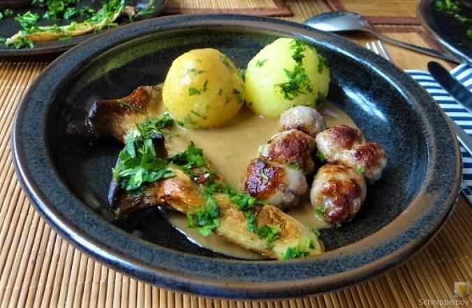 Kleine Klöse, Kleine Fleischbällchen,Pilze, Sauce (19)