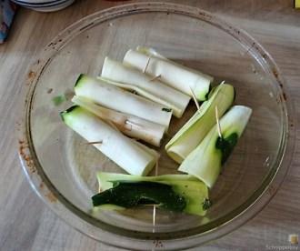 Zucchini und Kartoffelröllchen mit Fetacreme (14)