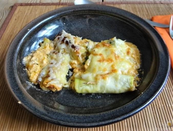 Zucchini und Kartoffelröllchen mit Fetacreme (24)