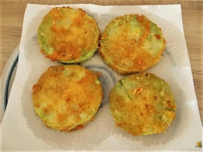 Frittierte-Zucchini-mit-Gorgonzolasauce-21