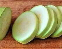 Frittierte-Zucchini-mit-Gorgonzolasauce-8