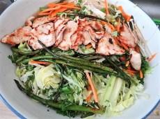 Glasnudeln, Gemüse und Putenfleisch (26)