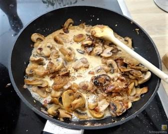 Kartoffel-Spinat Taler, Champignon, Tomaten-Avocado Salat (15)