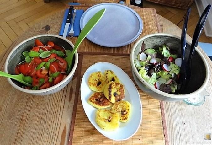 Kloßscheiben und Salate (8)
