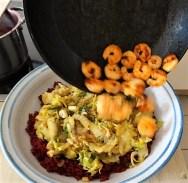 Roter Reis mit Chinakohl und Garnelen (19)