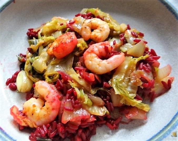 Roter Reis mit Chinakohl und Garnelen (3)