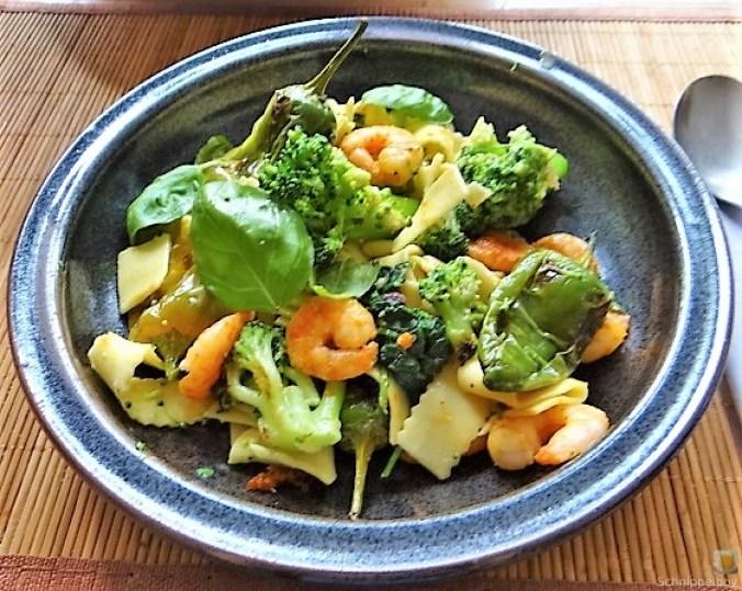 Bandnudeln mit Gemüse und Garnelen (16)