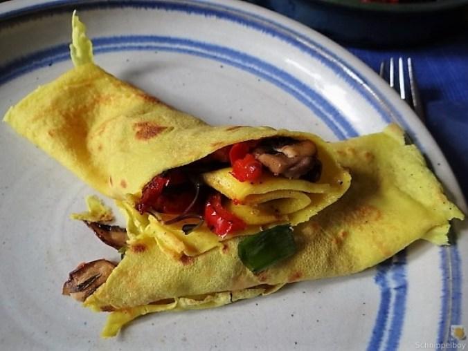 Eierpfannkuchen mit Pilz-Gemüse Füllung und Pflücksalat (25)