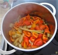 Gedämpftes Gemüse, Ernußsauce und Polenta, (21)