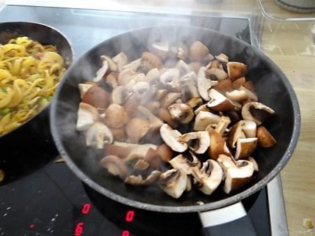 Kartoffel Zoodles und Shiitake-Champignon Pfanne (16)