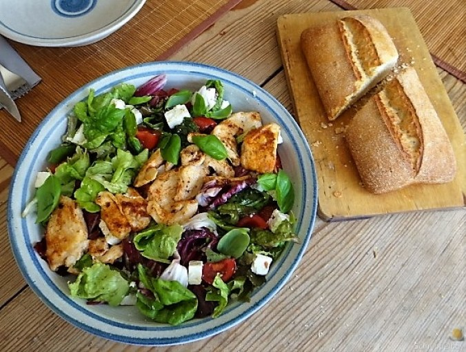 Pflücksaltat und Radicchio mit Hühnerbrustfilet (1)