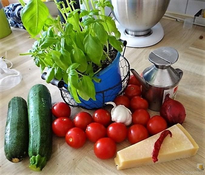 Zucchini-Kartoffel Zoodles mit Tomaten (10)