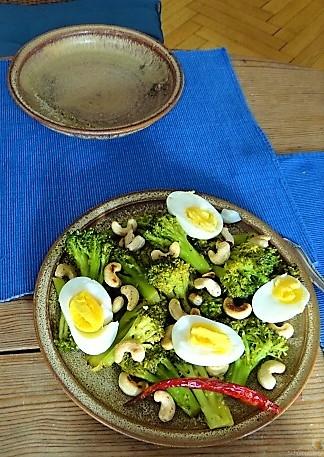 Brokkoli mit Chilli und Cashewkernen (11)