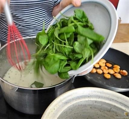 Butermilchsuppe mit geräuchertem Fisch (10)