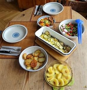 Ofen Zucchini mit Guacamole und Kloßscheiben vom Vortag (23)
