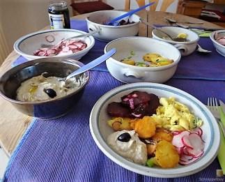 Bratkartoffeln, Salate und Baba Ganoush (26)