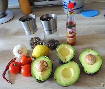 Brokkoli, Guacamole, Kartoffeln, (15)