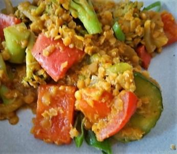 Gedünstetes Gemüse mit roten Linsen (22)