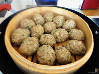 Bulgur-Hack Klößchen, Spitzkohl Salat, Tzatziki, Apfel Crumble (17)