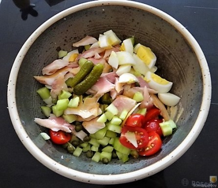 Salat von der geräucherten Forelle (10)