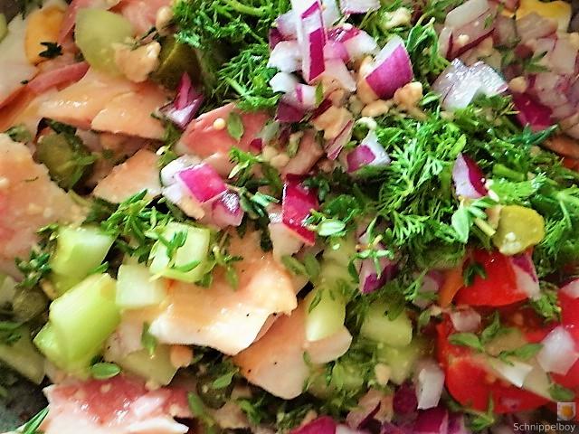 Salat von der geräucherten Forelle (13)