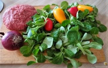 Bouillonkartoffeln, Frikalellen, Salat (8)