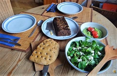 Leanders Nussbraten mit Guacamole und Feldsalat (26)